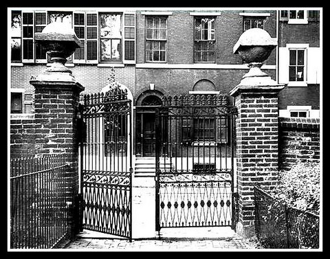 1-St. Peter's front gate 1909
