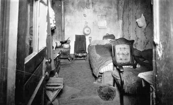 1914 Slum 530 lombard